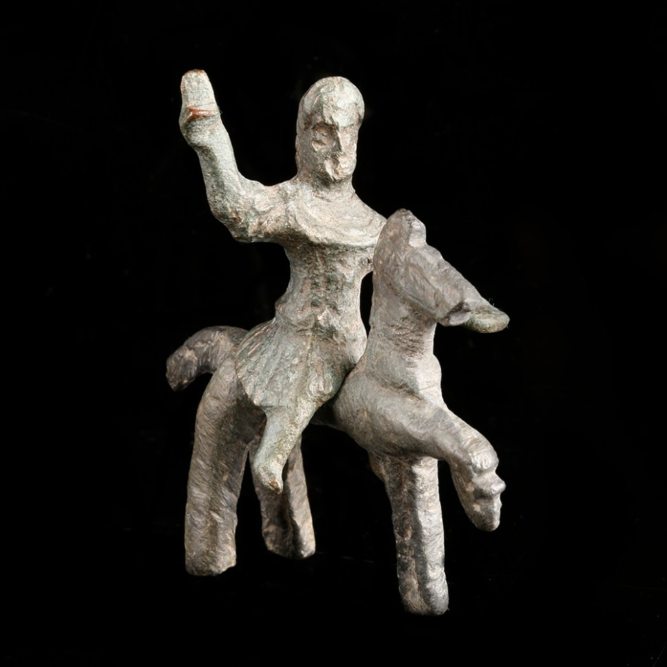 romano-cenltic-warrior-on-horse-statuette