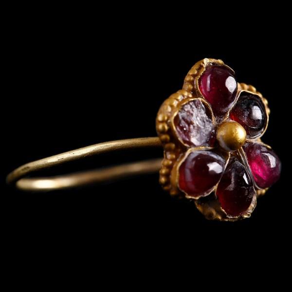 Medieval Gold Ring with Garnet Flower