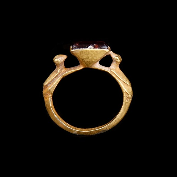 Delicate Byzantine Gold Ring with Birds and Garnet