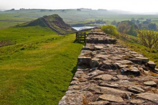 Restos del muro de Adriano. Fuente: BigStockPhoto