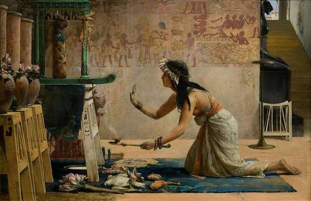 Em sua vida anterior e, Dorothy Eady disse que ela era uma sacerdotisa de Isis no templo de Abydos.