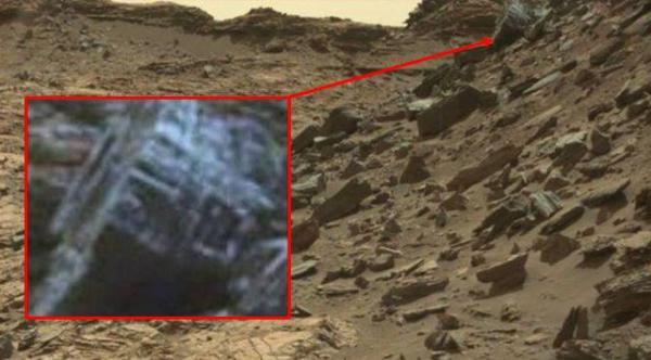 Ruins on Mars? NASA photographs mystery object on Mars ...