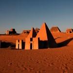 Las increíbles similitudes entre los bloques H de Puma Punku y las pirámides de Sudán.
