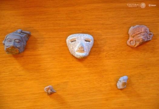 Algunas de las piezas arqueológicas precolombinas incautadas por los Carabineros en el aeropuerto de Ancona, Italia. (Fotografía: Héctor Montaño/INAH)