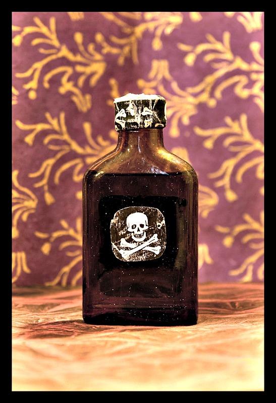 Botella de veneno. (Andrew Kuznetsov/CC BY-SA 2.0)