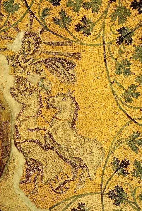 Mosaico de los siglos III-IV en el que Cristo aparece representado como 'Sol Invictus'. Mausoleo de la necrópolis situada bajo la Basílica de San Pedro de El Vaticano. (Public Domain)