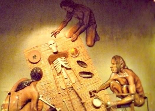 Representación de una momificación Chinchorro en el Museo Arqueológico San Miguel de Azapa, Chile. (Andrea021/CC BY-SA 3.0)