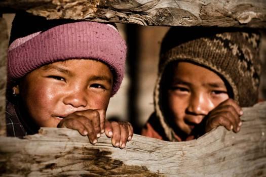 Niños nepalies. (Eric Montfort/CC BY-SA 2.0)