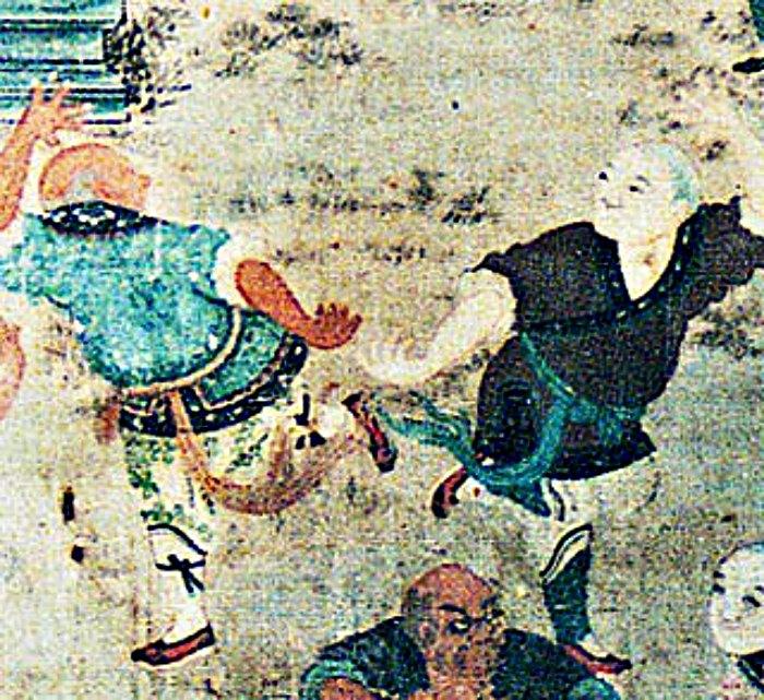Los antiguos practicantes de artes marciales solían prestar mayor atención a la perfección de la mente y el espíritu que a la transformación física del cuerpo. En la imagen, detalle de pintura mural del templo Shaolín de la provincia china de Henan, datada a principios del siglo XIX. (Public Domain)