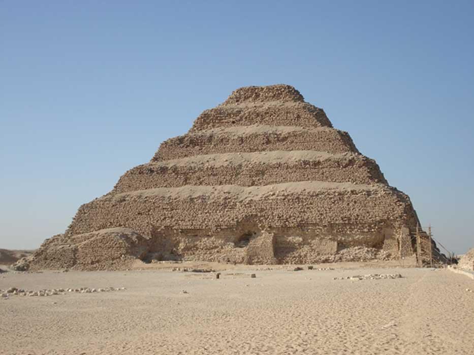 La famosa pirámide escalonada de Zoser (Public Domain)