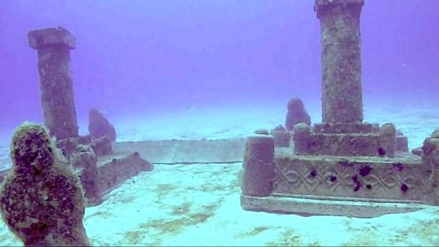 Restos de la mítica Dwarka, sumergida en el golfo de Cambay, India. (Fotografía: La Gran Época/cdn.earthporm)