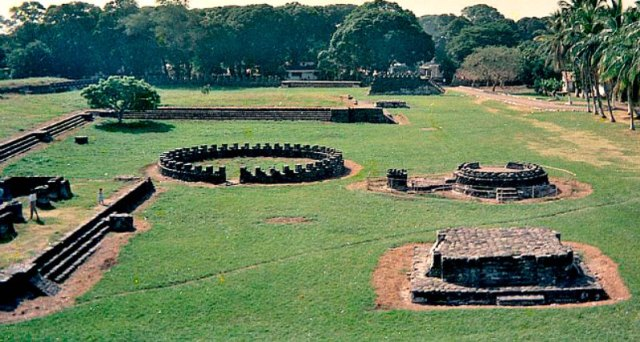 Vista de la plaza principal de las ruinas de la ciudad de Cempoala, capital de la Nación Totonaca, la primera en establecer una alianza militar con las huestes castellanas. (Public Domain)