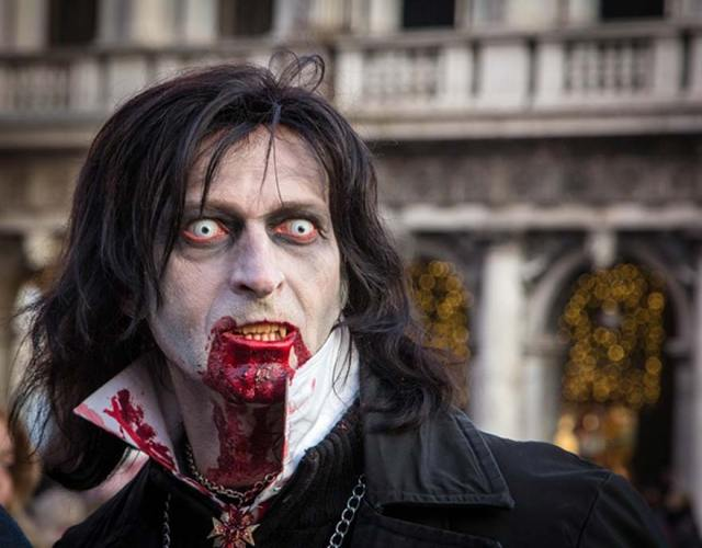 Este vampiro sin duda acaba de morder a alguien. (CC0)