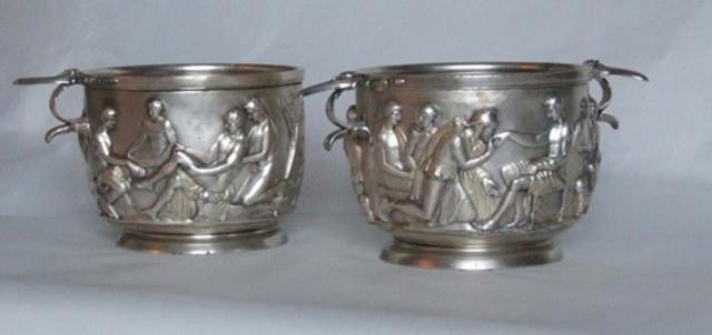 Vasos de plata de la Edad de Hierro romana, marcados con el nombre romano Silius y el propio nombre del artista. Hallados en Lolland, Dinamarca, en el año 1920. (Leif Plith, Museum Lolland-Falster/CC BY SA 4.0)