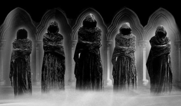 Portada - Ilustración de varios encapuchados de identidad desconocida. (wallpapercave.com)