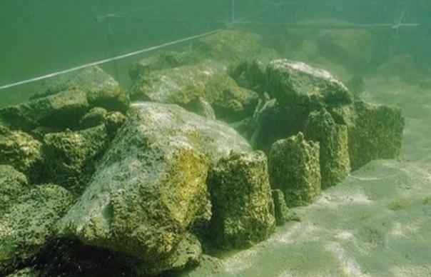 Los arqueólogos han descubierto una serie de misteriosas piedras artificiales sumergidas bajo la superficie del lago de Constanza. Fuente: Arqueología de Thurgau