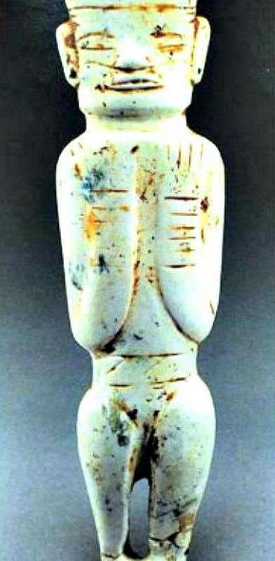 Figurilla antropomorfa neolítica de jade hallada en Linjia Tan, provincia de Anhui, China. (Fotografía: La Gran Época)