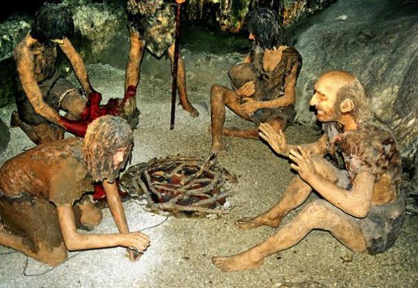 Los neandertales vestían ropa, controlaban el fuego y vivían en refugios. (Victuallers CC BY-SA 3.0)