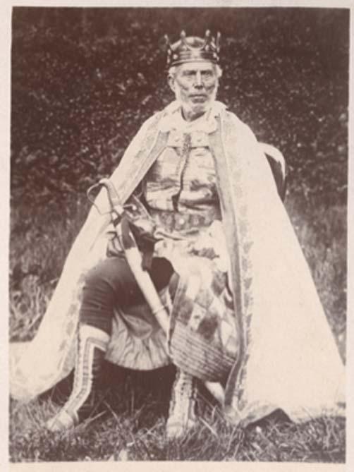 Фотографія коронації Чарльза Фаа Бліта, короля циган Єтгольма.  Король був коронований у травні 1898 року. (Public Domain)