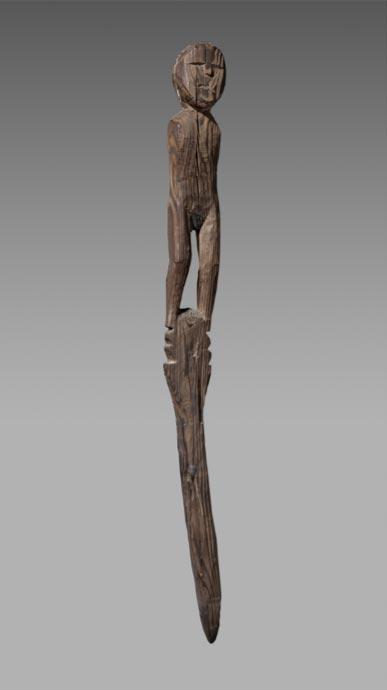 Una statua di legno pensata per essere dal 400 aC-100 aC trovata al Passo del Collon, tra Arolla in Svizzera e Bionaz in Italia. (Musée d'histoire du Valais / Michel Martinez)