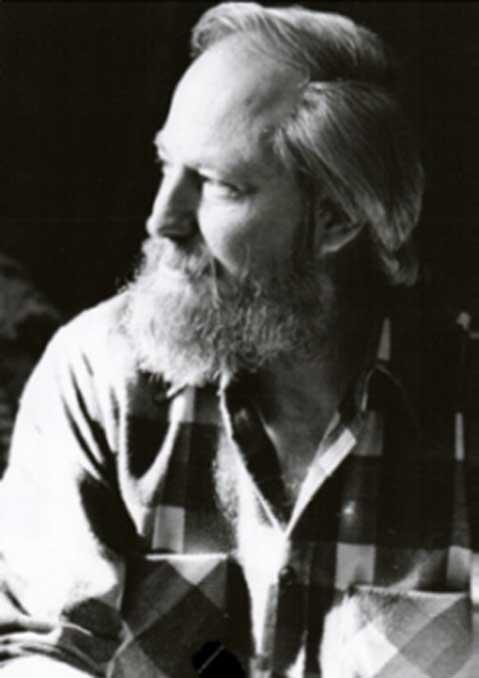 R. Cedric Leonard anche tradotto il Papiro Tulli.