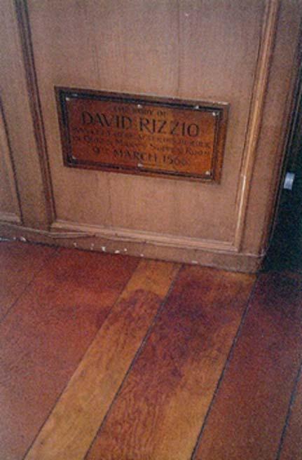La tache de sang dans le bois du meurtre de David Rizzio, secrétaire particulier de Mary, reine d'Écosse