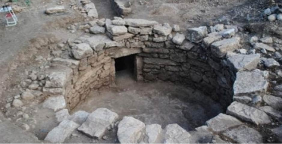 Newly-discovered Mycenaean tomb near Amfissa, Greece