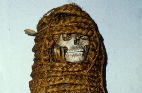 Momia precolombina del siglo 11 que tiene sorprendido a los científicos con genes resistentes a los antibióticos.