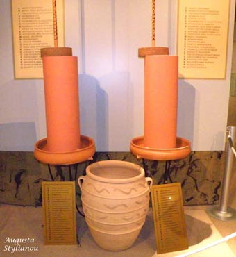A replica of the hydraulic telegraph of Aeneas