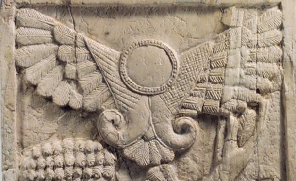 Il disco alato assiro. Uno dei tanti glifi simili che rappresentavano divinità che è apparso in tutto il mondo dopo l'apparizione della cometa nel 1486 aC.