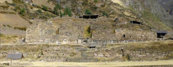 Chavín de Huántar, Peru.