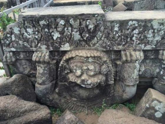 Decoration at Koh Ker pyramid