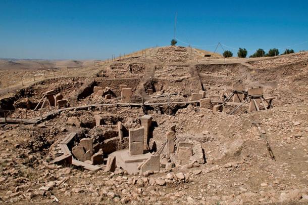 Gobekli Tepe, che si trova nella regione del sud-est dell'Anatolia della moderna Turchia, è stato datato a prima del 9000 aC.