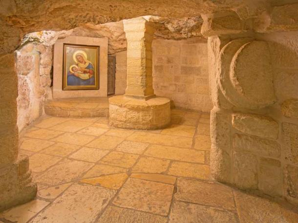 La chapelle de la grotte du lait de Notre-Dame de Bethléem tire son nom de la croyance que la Vierge Marie a trouvé refuge dans une grotte avec l'enfant Jésus et qu'une goutte de son lait est tombée sur le sol de la grotte, le blanchissant.  (Renáta Sedmáková / Adobe Stock)