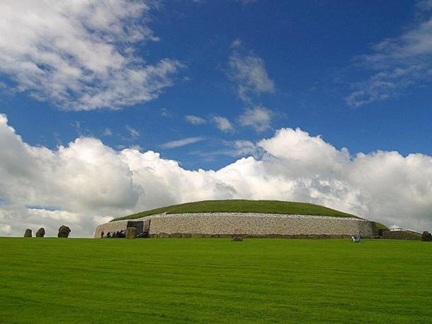 tombe Newgrange passaggio, un monumento preistorico in Irlanda, costruito durante il periodo neolitico intorno al 3000 aC al 2500 aC. E 'più vecchio di Stonehenge o le Piramidi di Giza.