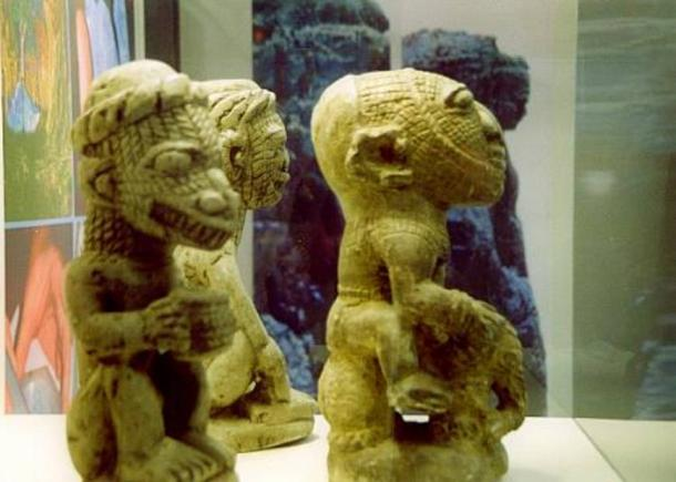 Nomoli figure lizard head - El desconocido orígen de las misteriosas figuras Nomoli