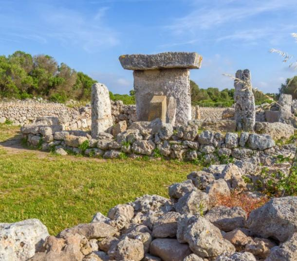 Talaiot de Trepuco - Les Taules de Menorca