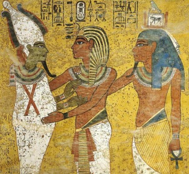 Detalle;  Faraón Tutankamón abrazar dios Osiris, escena de la tumba de Tutankamón, KV62.