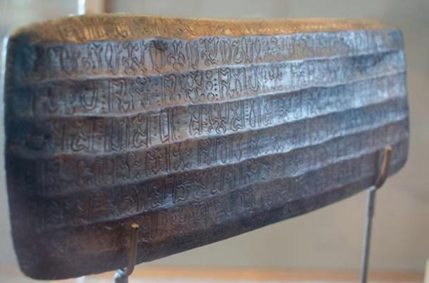 The mysterious Rongorongo writing of Easter Island
