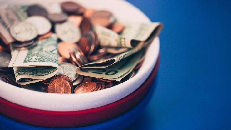 Vastu Tips for Wealth Fake money bowl