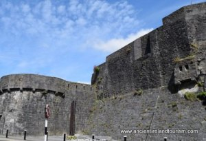 Tour of Ireland Athlone Castle Streetside