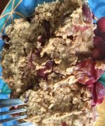 Clean 4 ingredient peanut butter and jelly baked oatmeal