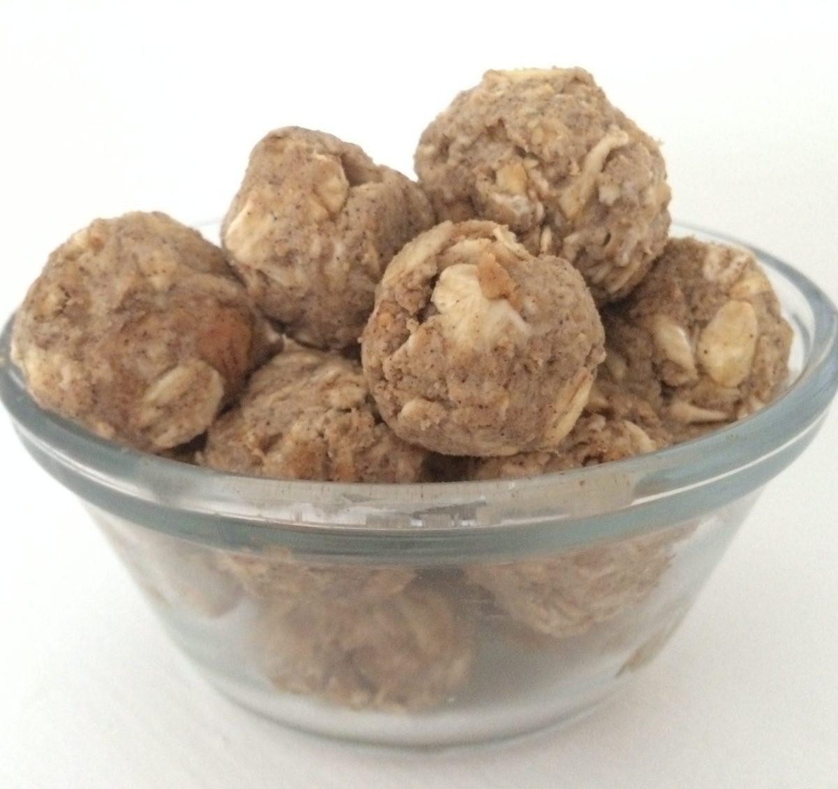 Oatmeal Peanut Butter Protein Balls [Clean, Vegan, Gluten-free]