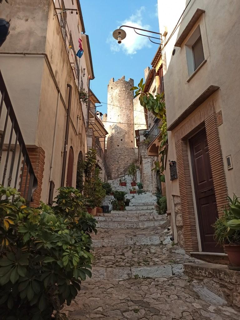 Borghi da visitare nel Lazio: vico Giudea a Itri.