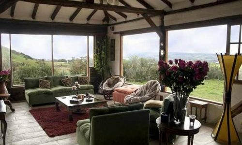 lounge cotopaxi view lodge moutain ecuador haciendas park