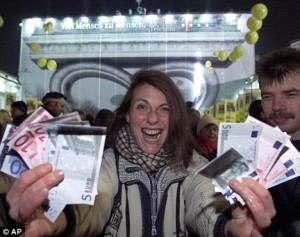 vreugde in Berlijn bij invoering euro