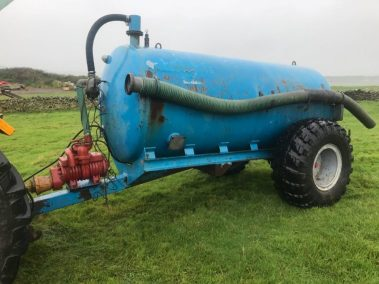 Malgar 1100 gallon vacuum tanker