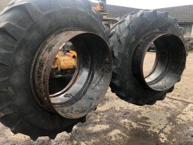 20.8 38 dual wheels