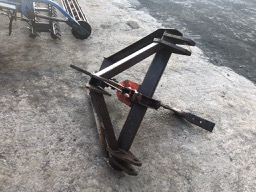 single leg subsoiler