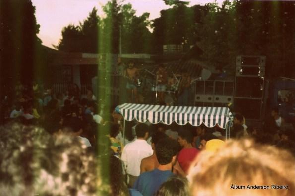 1989 - Urbi Et Orbi tocando sobre caminhão na Praça da Glória em Contagem/MG